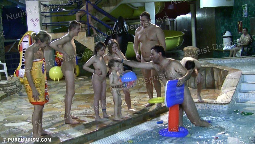 Snapshot Aqua Nude Relaxation