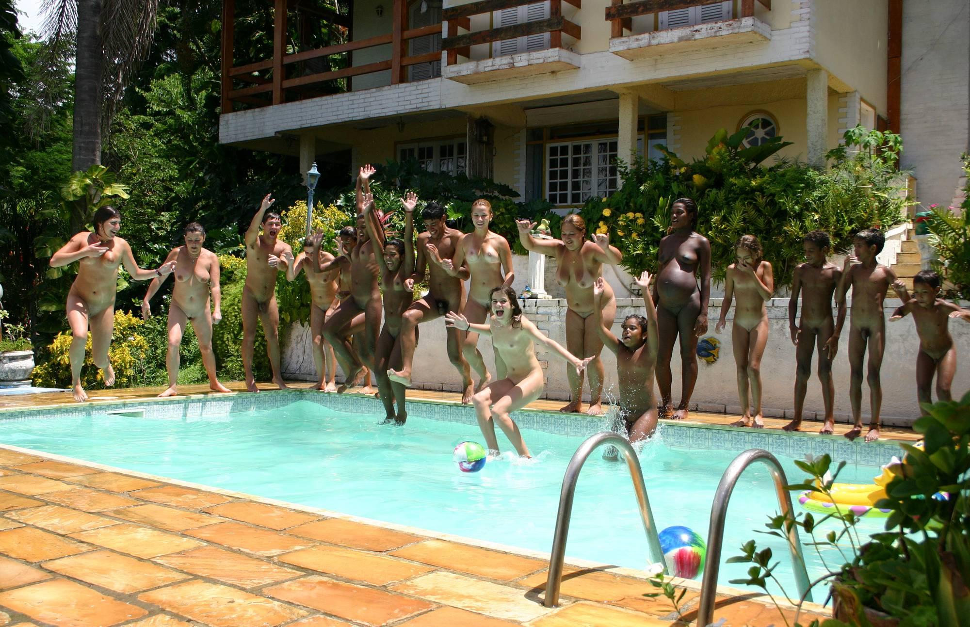 Brazilian Pool Wall Lineup - 1