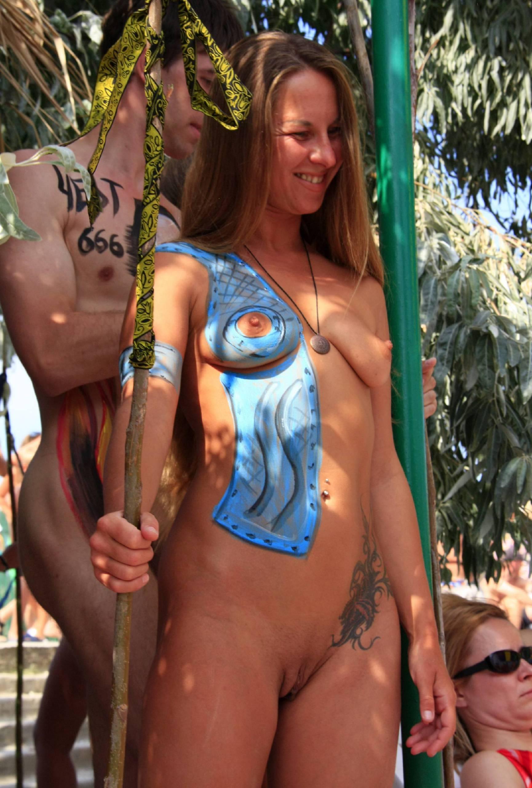 Nudist Pictures Neptune Walking Profiles - 1