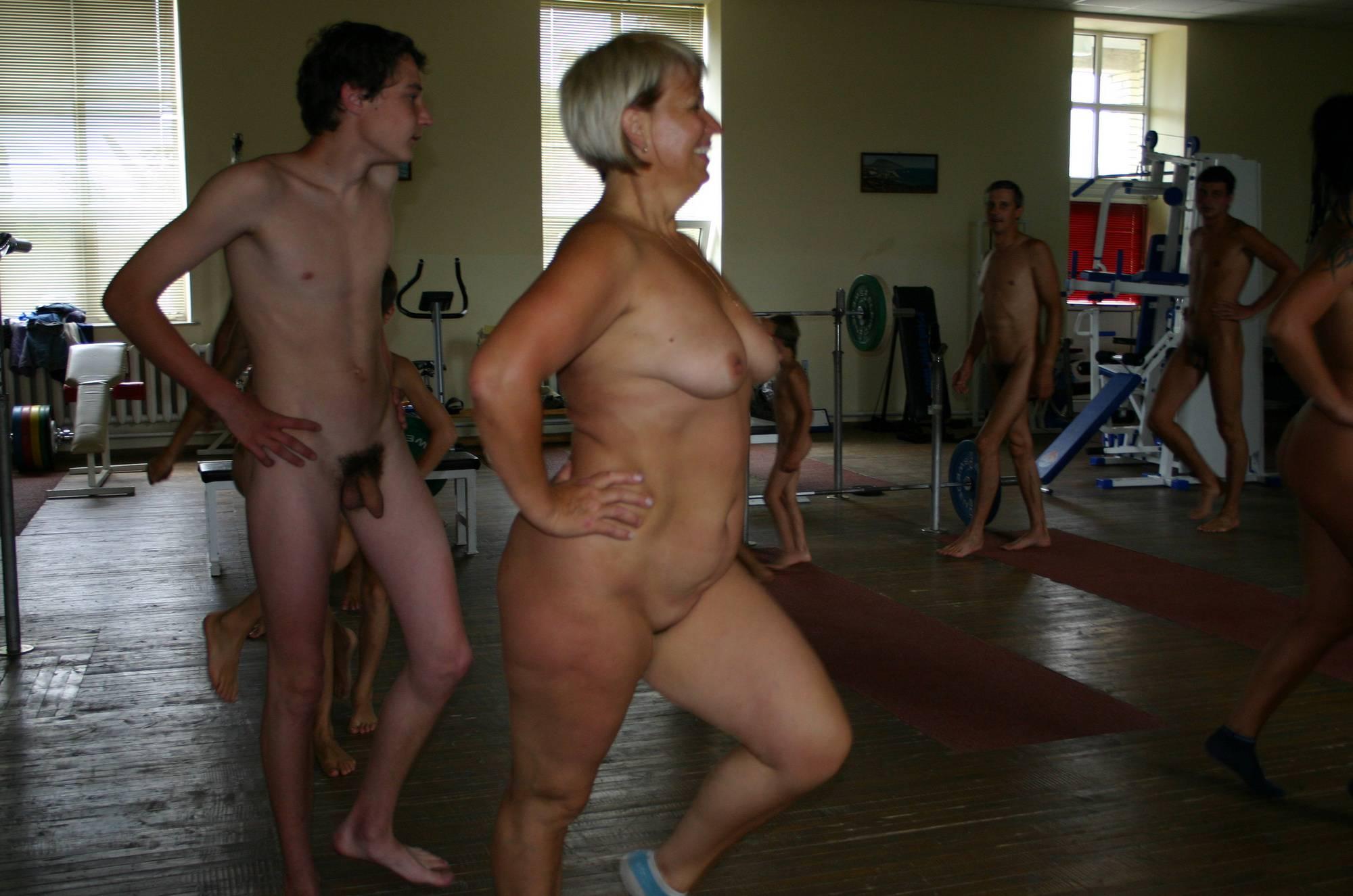 Family Gym Naturist Train - 2