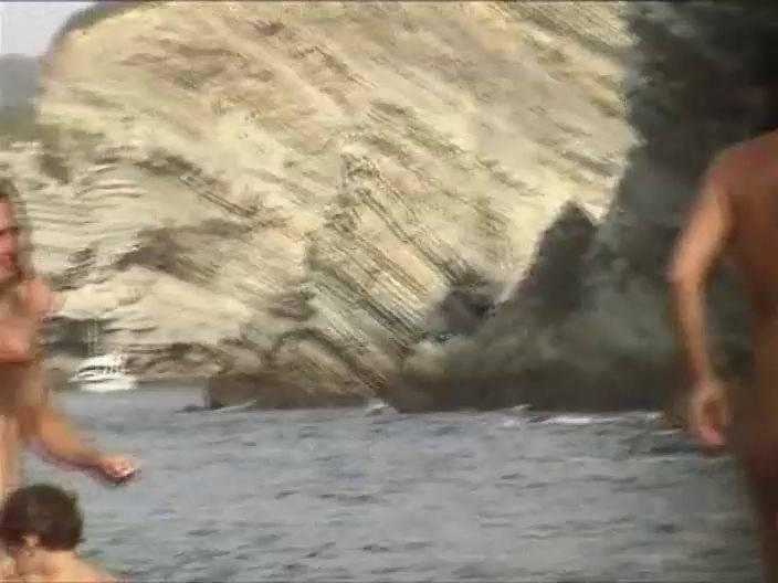 FKK Videos Lola Loves the Beach 3 - 1