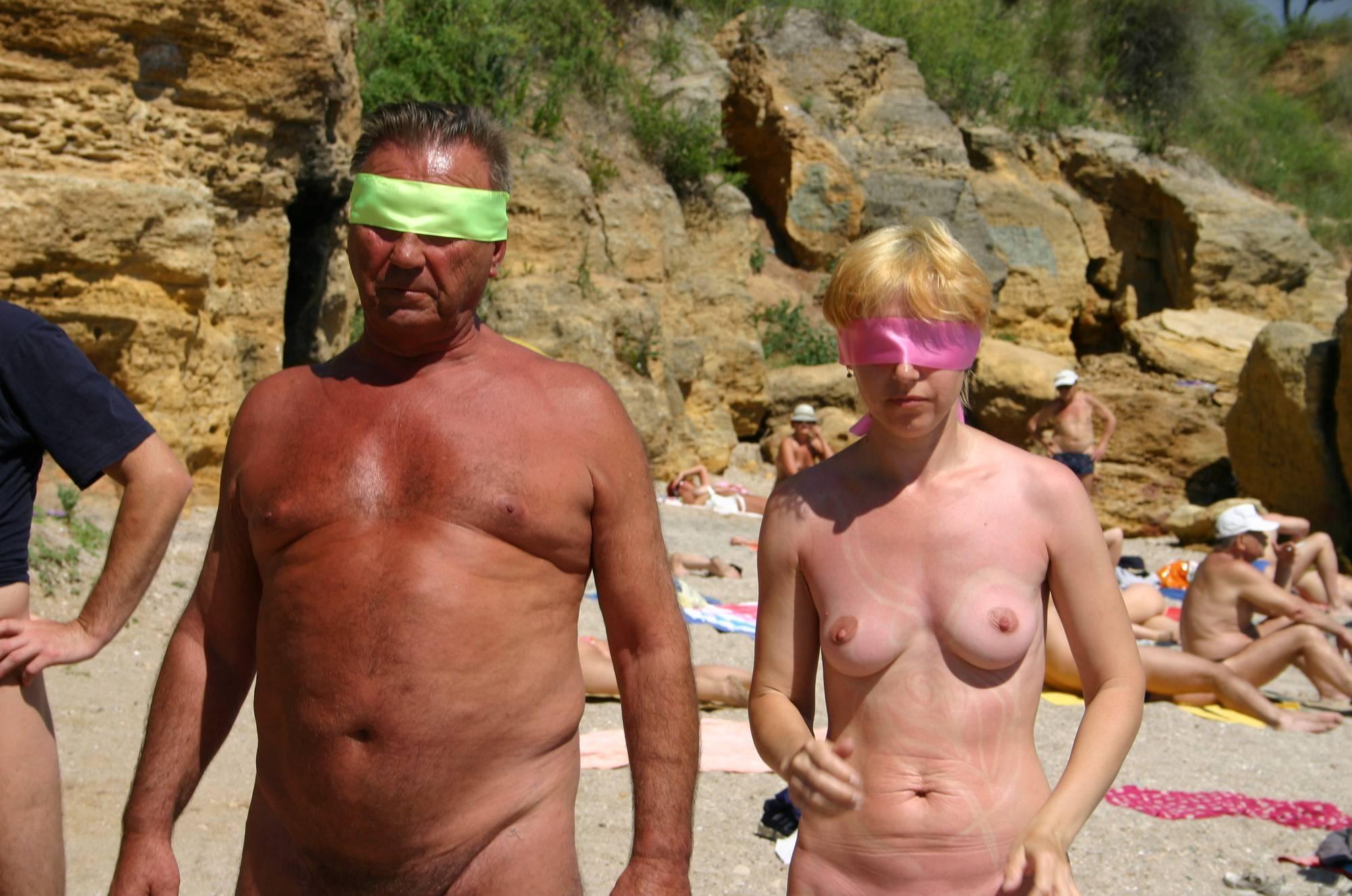 Nudist Pics Nude Family Beach Games - 1