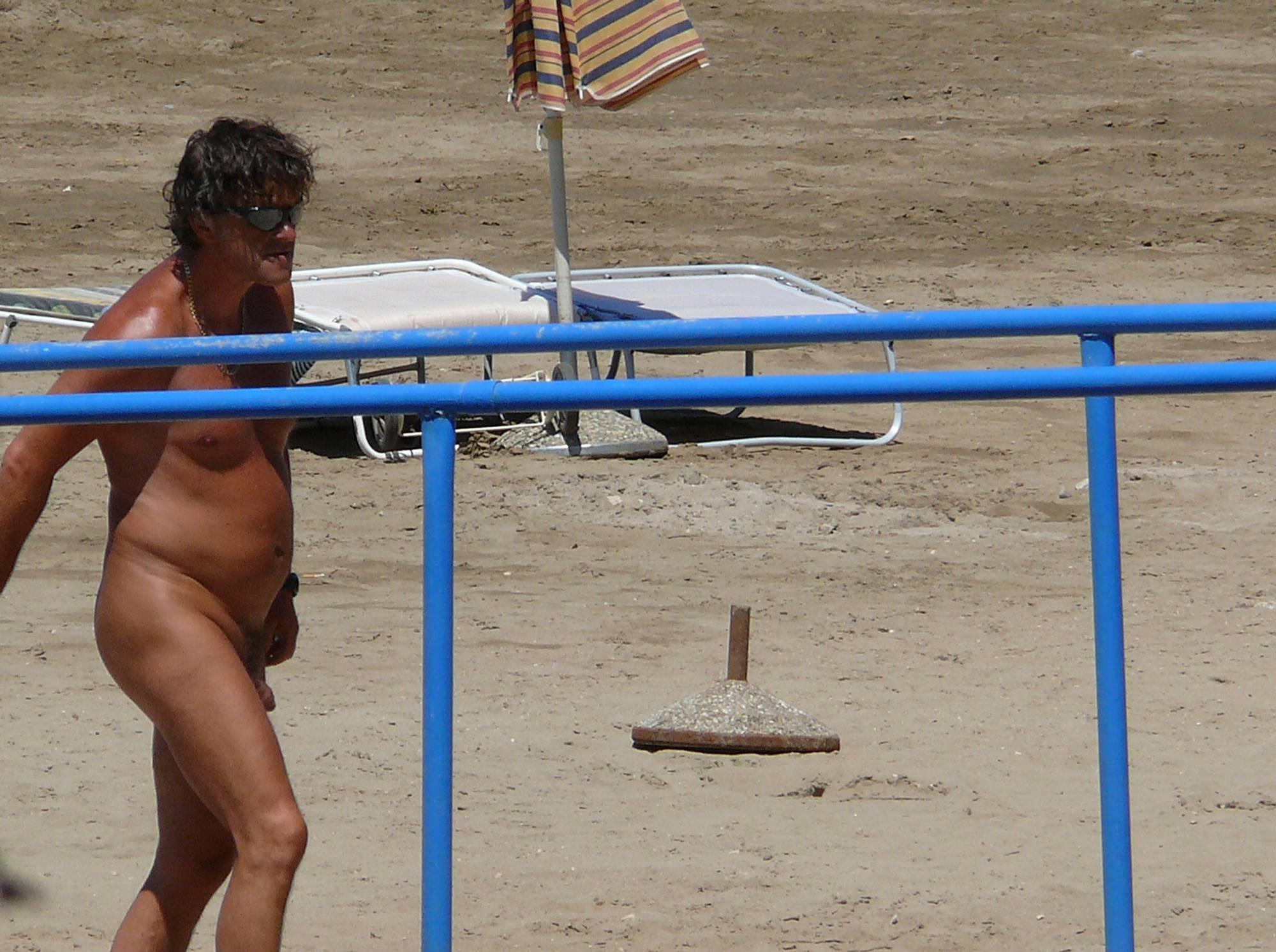 Nudist Photos White Slab Nudist Shower - 2