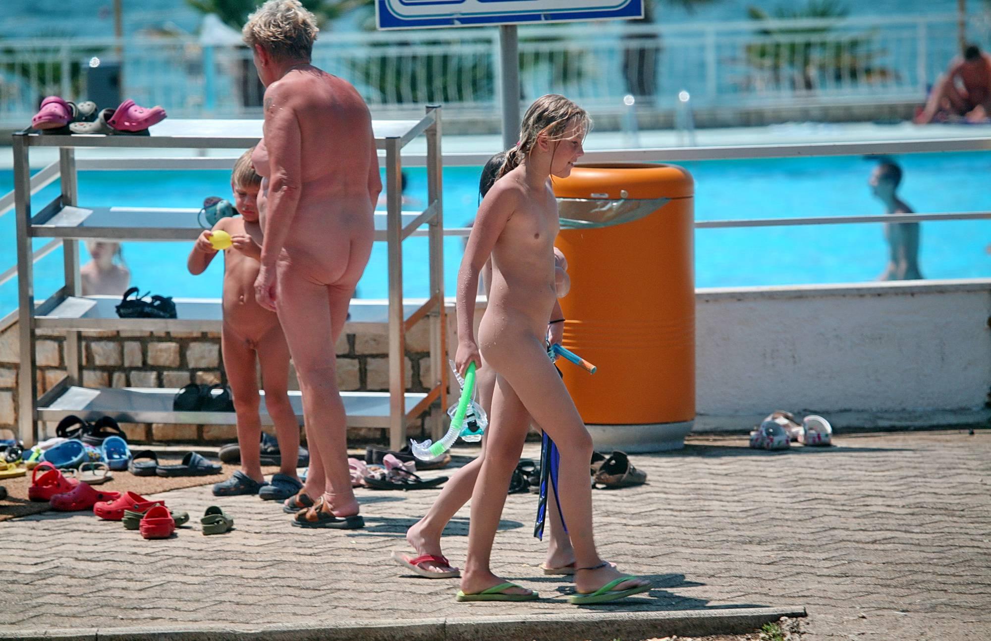 Nudist Photos Gathering Group of Nudes - 1