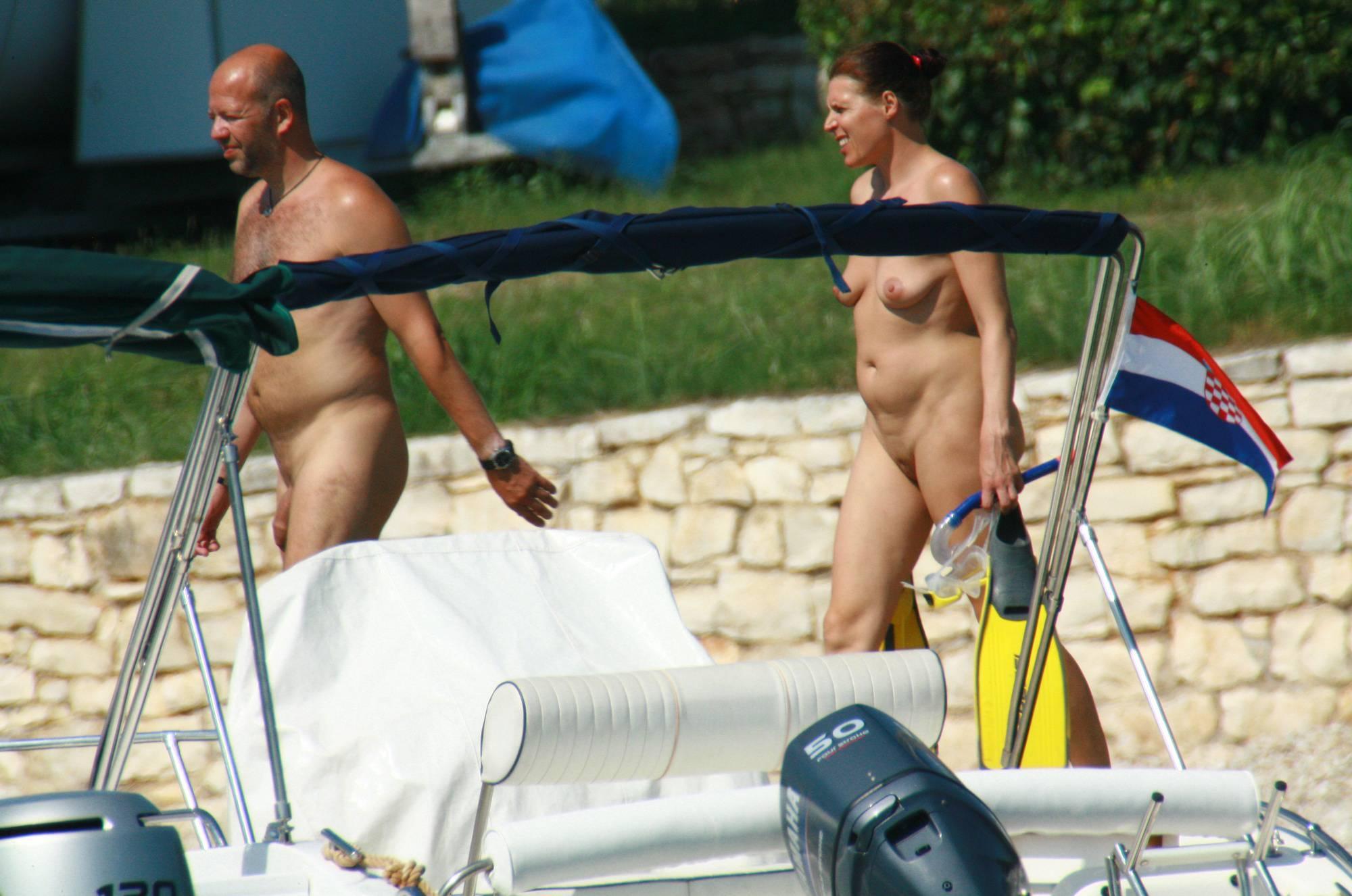 Nudist Gallery Naturist Family Scuba Dive - 2