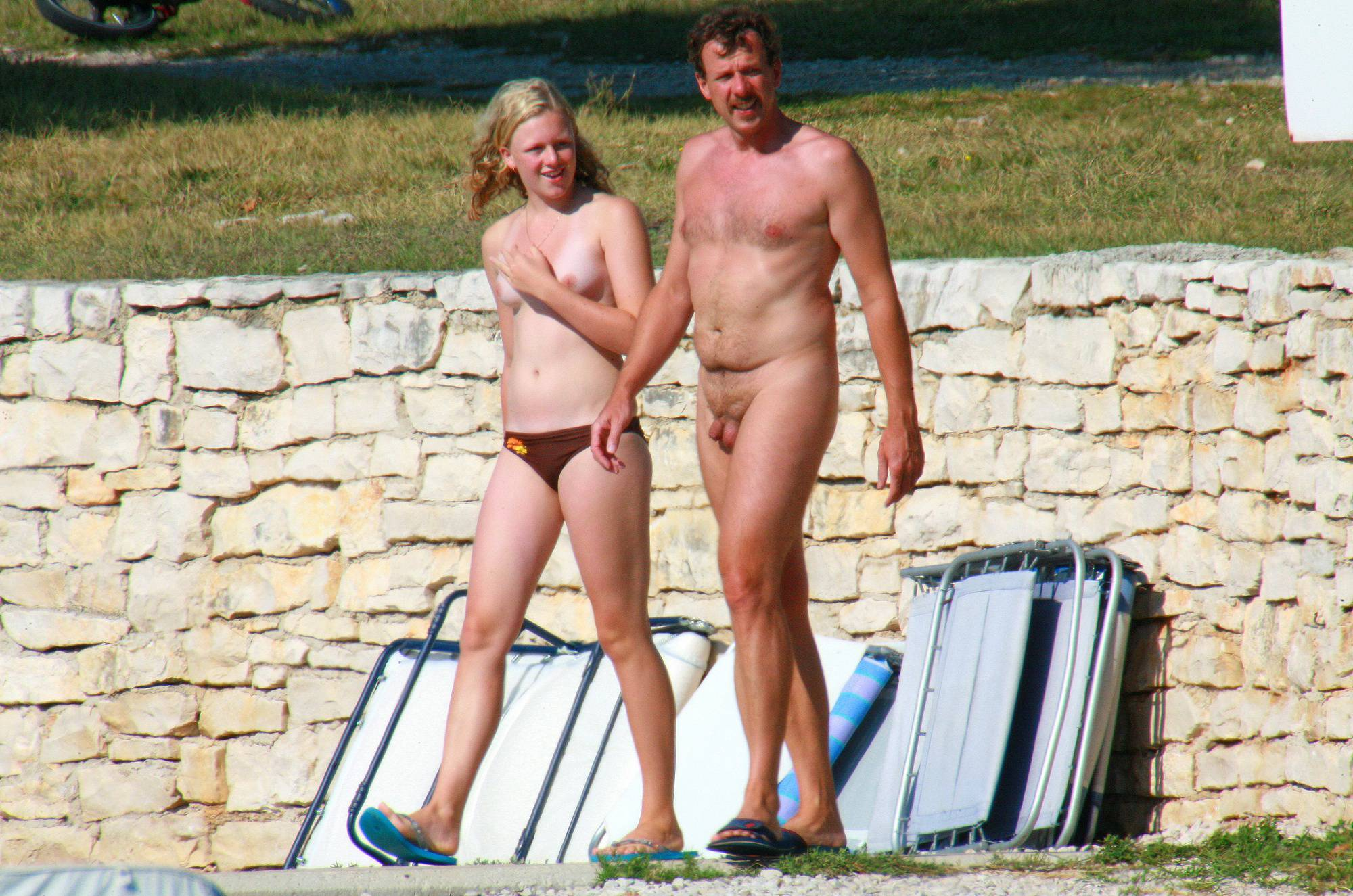 Nudist Pics Ula FKK Wall-Side Families - 1