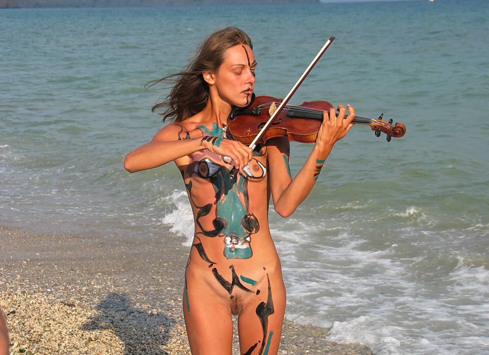 Seaside Soothing Violinist - 2