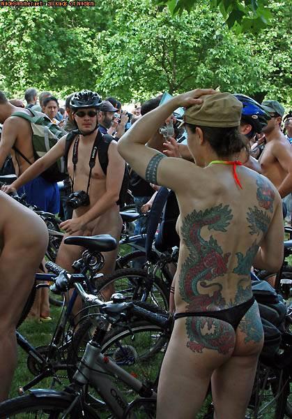 Nudist Pictures World Naked Bike Ride (WNBR) UK 2009 - 1