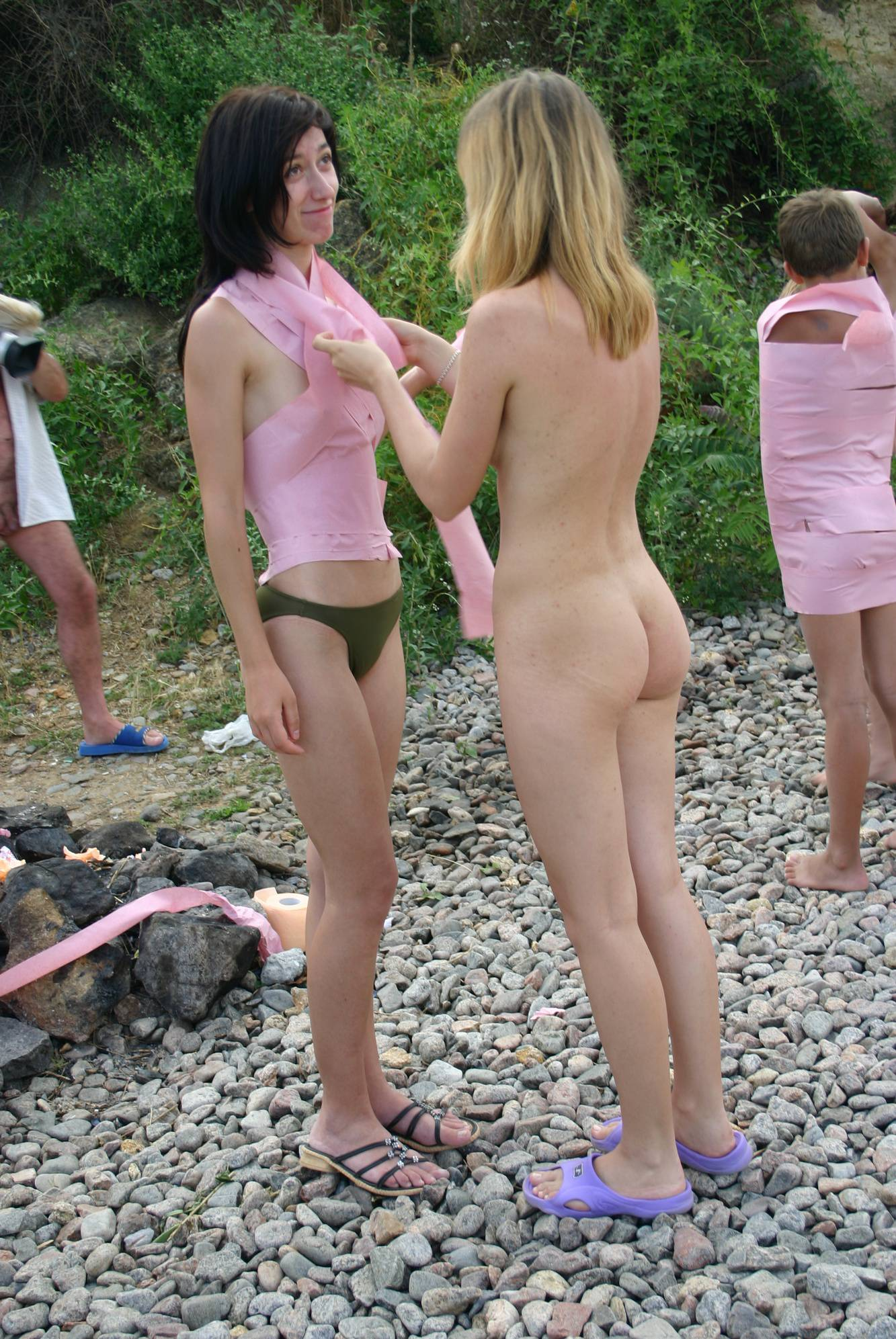 Young Outdoor Wrapping - 2
